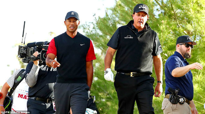 Tiger Woods và Phil Mickelson