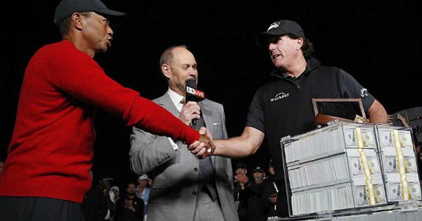 Đại chiến golf '2 tỷ đô': Tiger Woods chơi đẹp với đối thủ & cái kết gây sốc